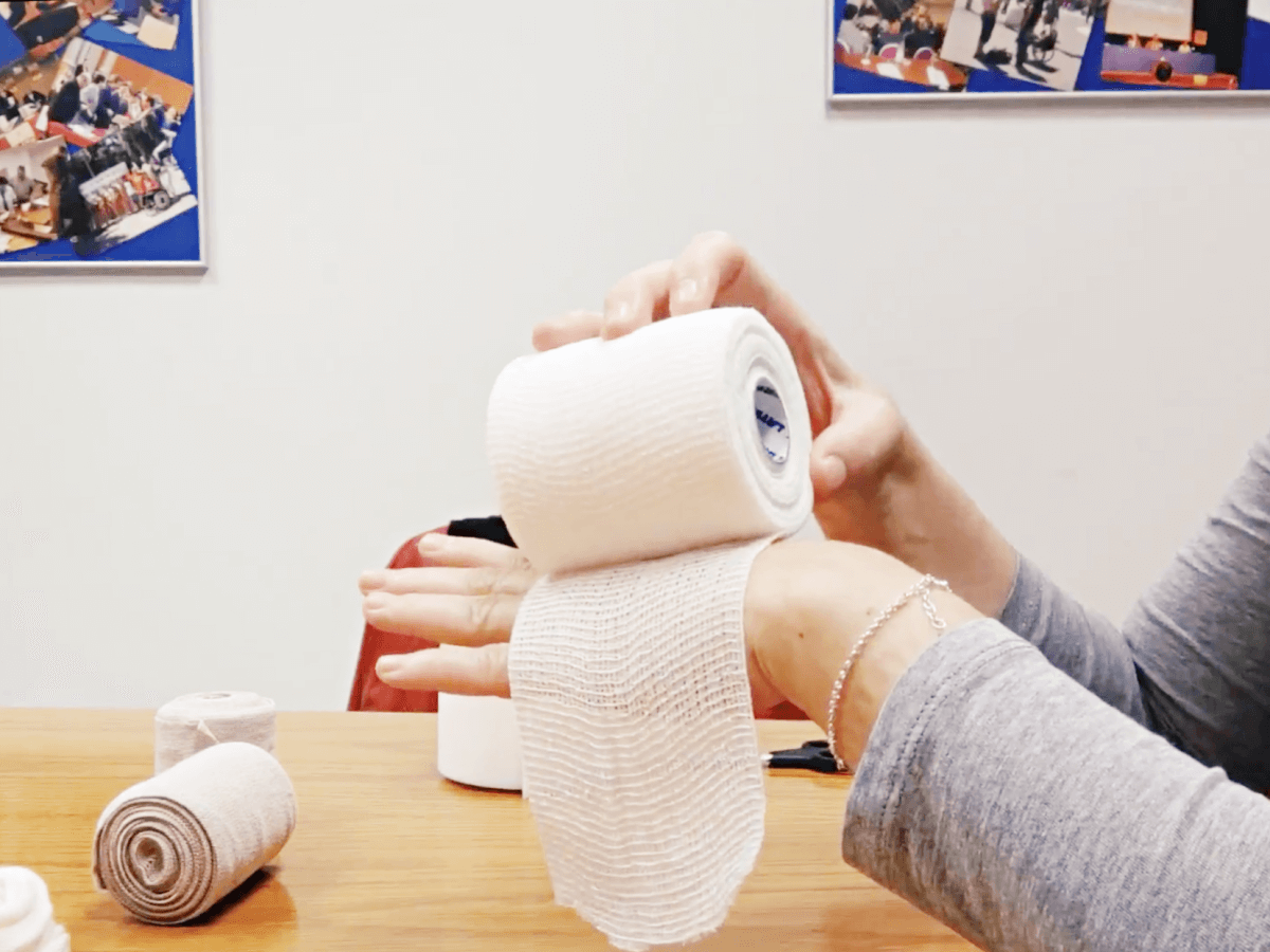 Tutorial para el autovendaje de brazo en pacientes de linfedema – Parte 1