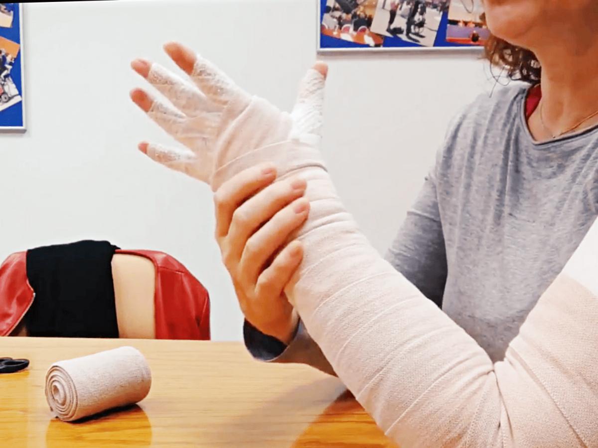 Tutorial para el autovendaje de brazo en pacientes de linfedema – Parte 3