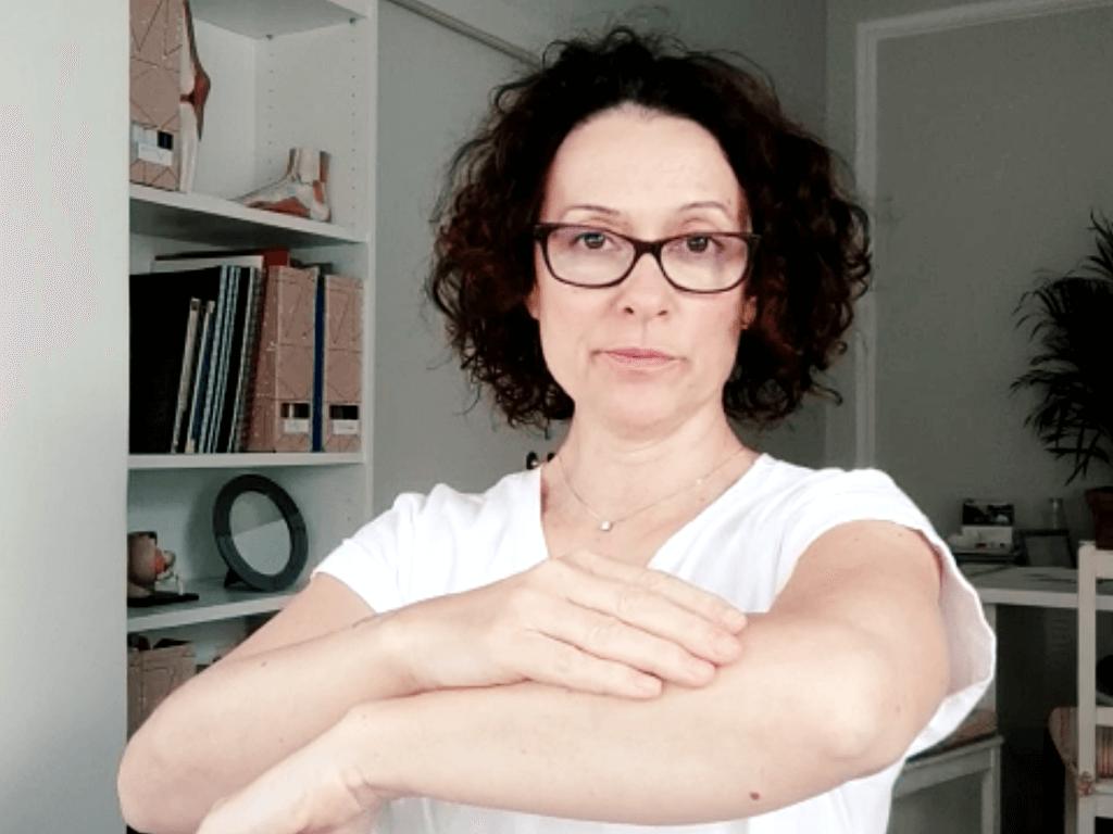 Autodrenaje de brazo para pacientes de linfedema